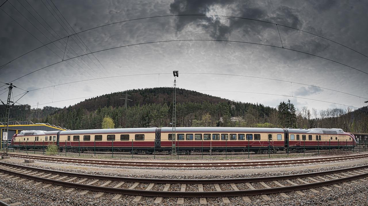 Neue Stimme bei der Bahn oder Wo geht es nach Rossau?